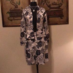 THEME skirt & jacket suit cream & black size 4
